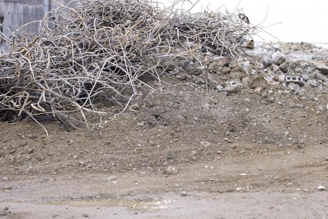 解体工事と廃棄物